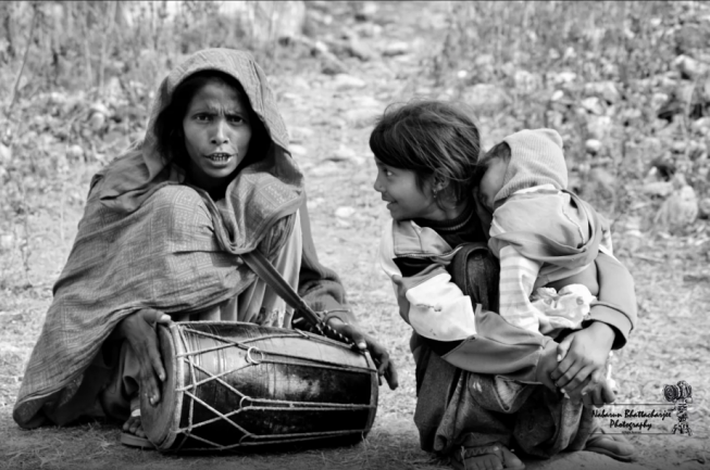 PC - https://500px.com/photo/137137041/the-singing-story-by-nabarun-bhattacharjee?ctx_page=3&from=search&ctx_q=POOR+KIDS+INDIA&ctx_type=photos&ctx_sort=relevance