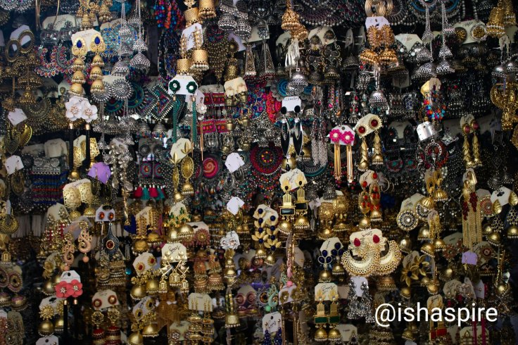 Kolkata Hawkers - Jewelry - New Market